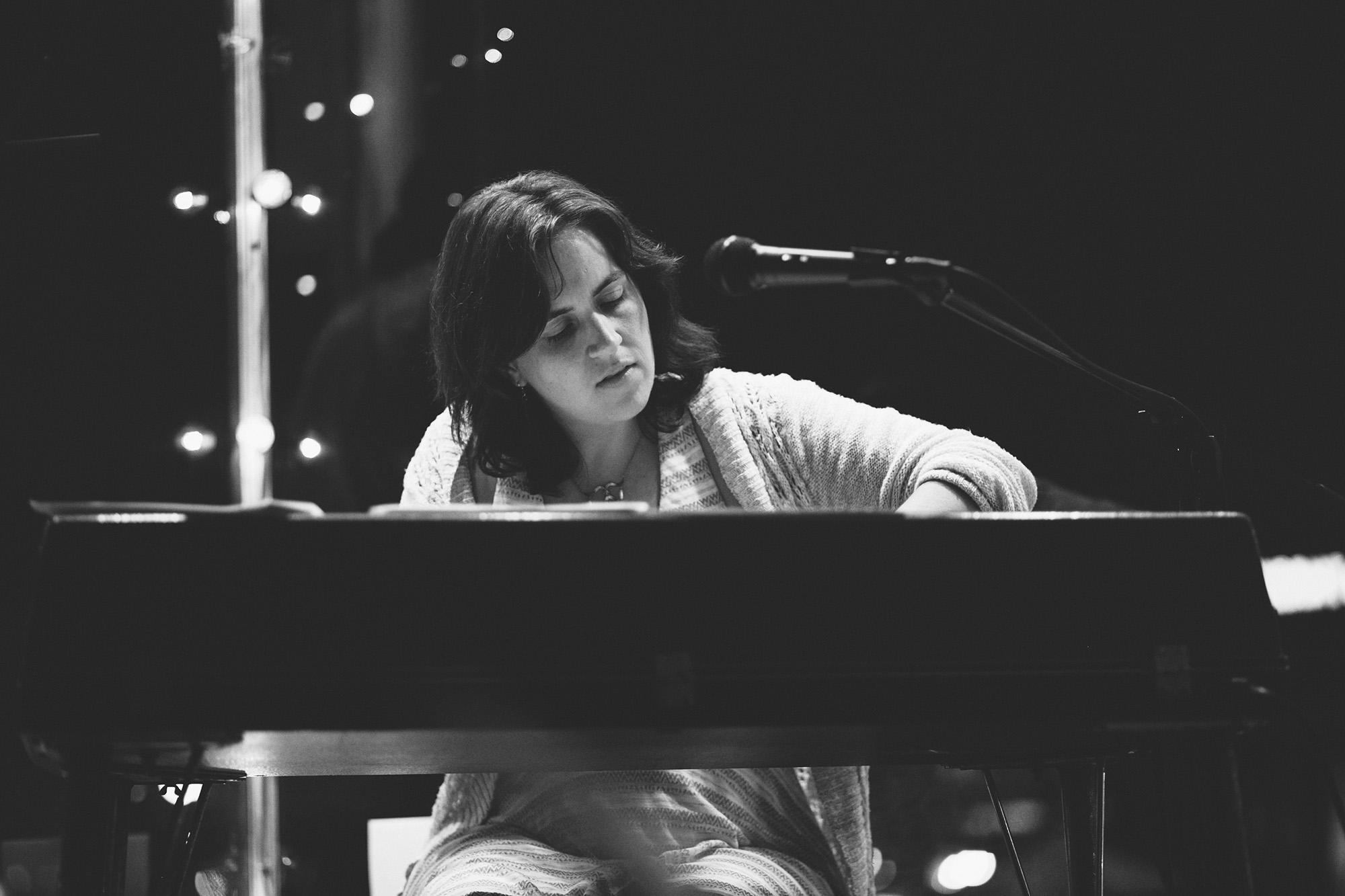 Amy playing a wurlitzer